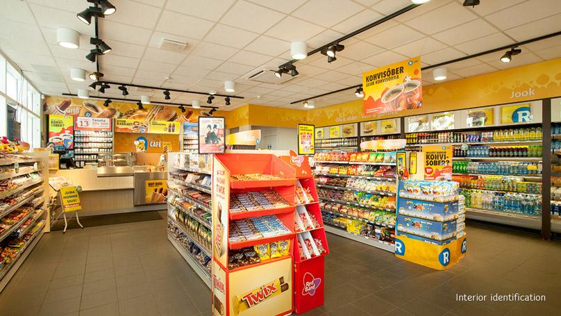 R-kiosk shop shelves and POS materials